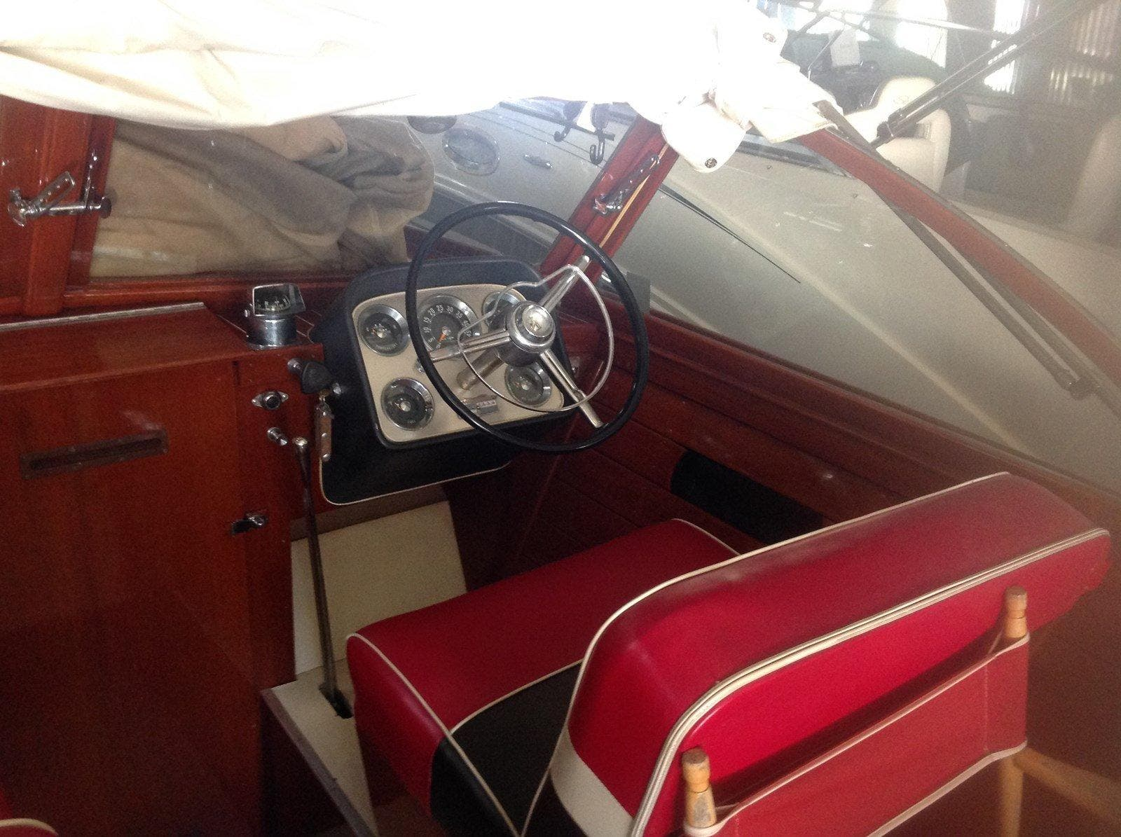 1960 Chris Craft boat for sale, model of the boat is SPORTSMAN & Image # 3 of 7