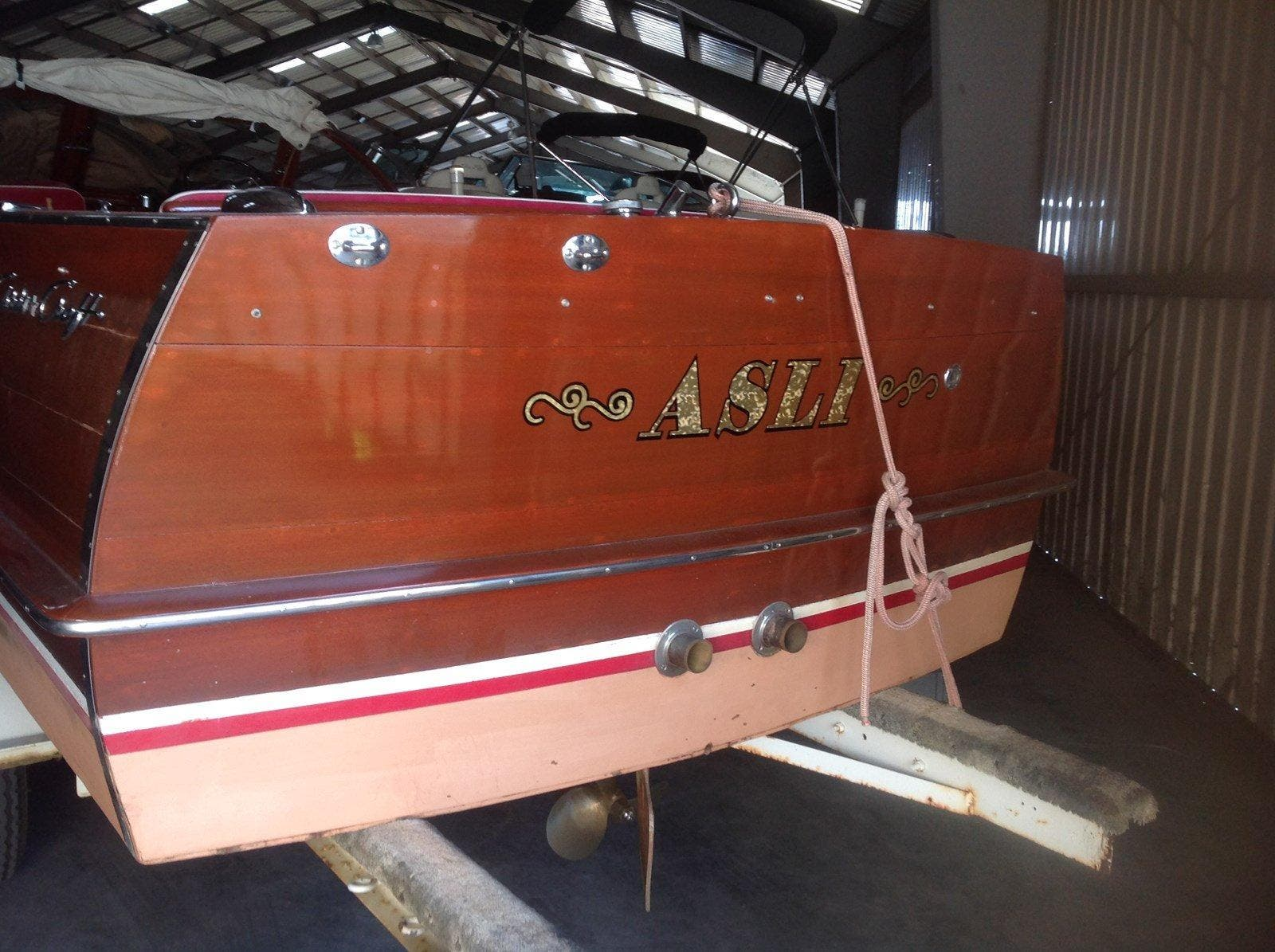 1960 Chris Craft boat for sale, model of the boat is SPORTSMAN & Image # 5 of 7
