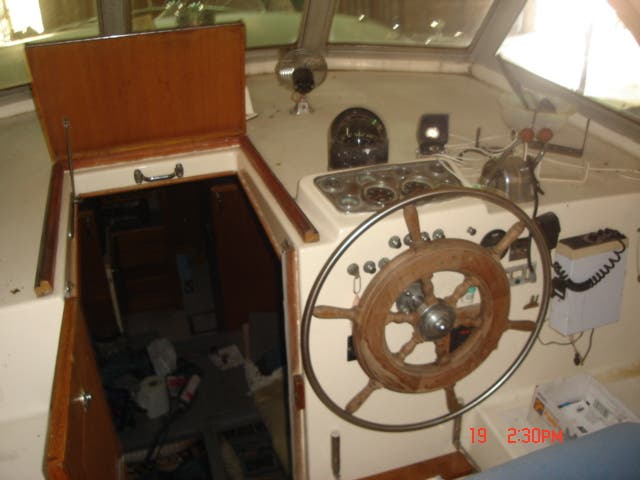 1963 Hatteras boat for sale, model of the boat is 34 AFT CABIN & Image # 3 of 10