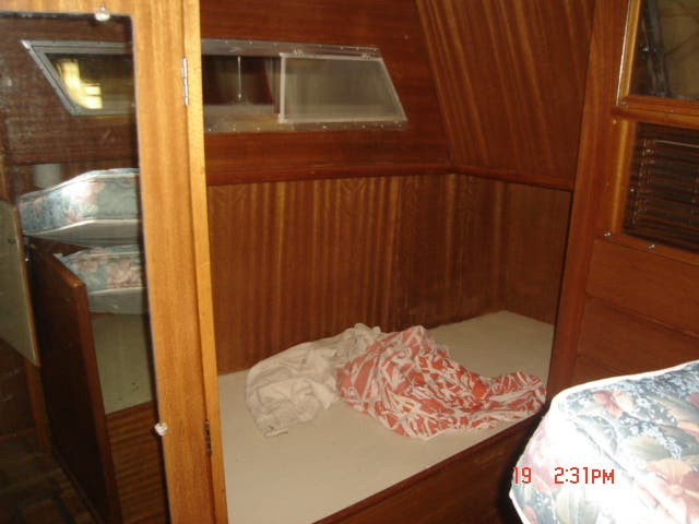 1963 Hatteras boat for sale, model of the boat is 34 AFT CABIN & Image # 7 of 10