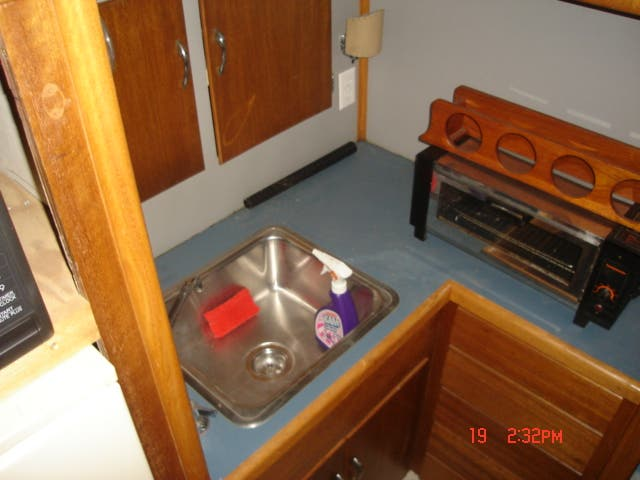 1963 Hatteras boat for sale, model of the boat is 34 AFT CABIN & Image # 9 of 10