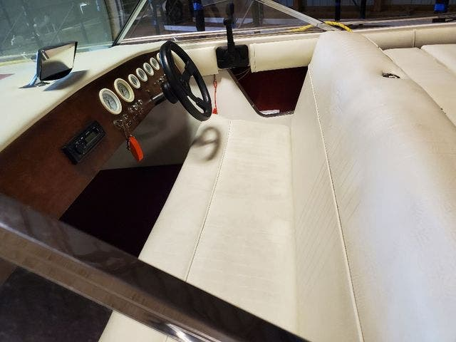 1972 Century boat for sale, model of the boat is 17 RESORTER & Image # 9 of 15