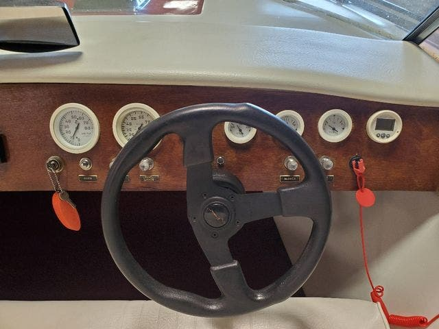 1972 Century boat for sale, model of the boat is 17 RESORTER & Image # 10 of 15
