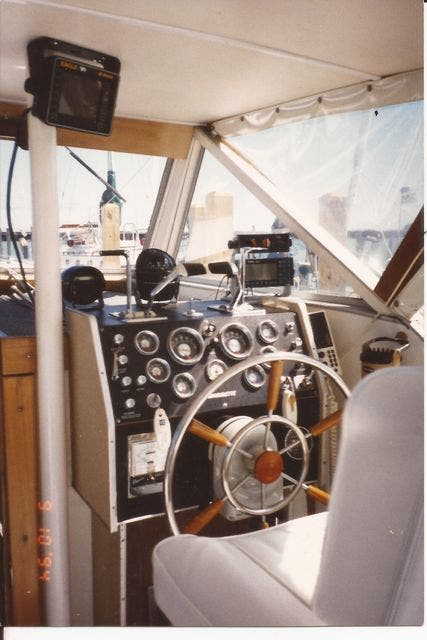 1973 Marinette boat for sale, model of the boat is 32EXPRESS & Image # 7 of 20
