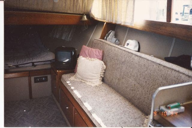 1973 Marinette boat for sale, model of the boat is 32EXPRESS & Image # 12 of 20