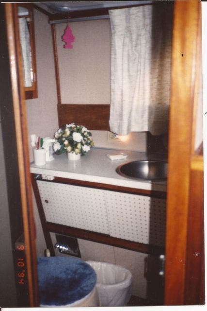 1973 Marinette boat for sale, model of the boat is 32EXPRESS & Image # 14 of 20