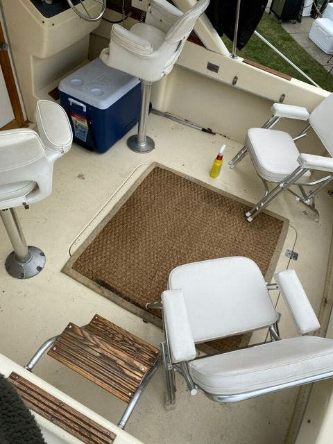 1979 Silverton boat for sale, model of the boat is 26 EXPRESS & Image # 6 of 27