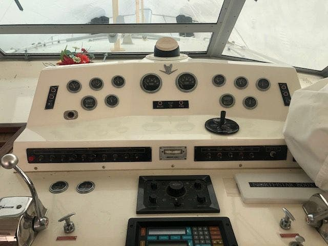 1980 Bertram boat for sale, model of the boat is 42 MOTOR YACHT & Image # 12 of 36