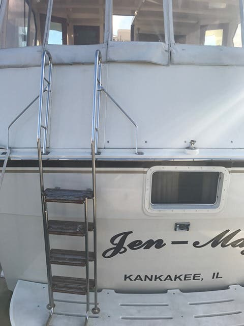 1983 Hatteras boat for sale, model of the boat is 48MY & Image # 37 of 71