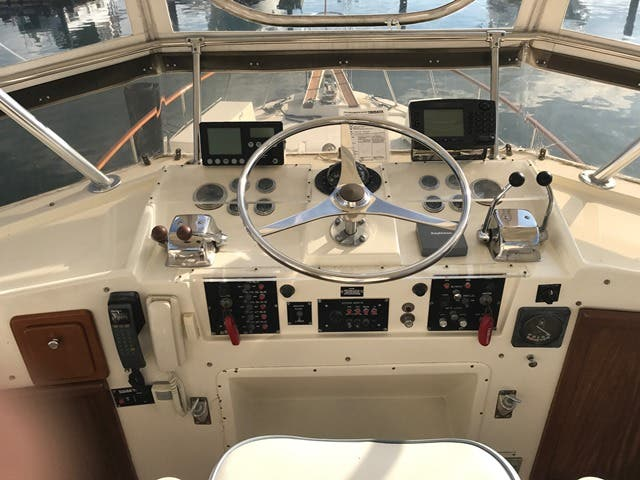 1983 Hatteras boat for sale, model of the boat is 48MY & Image # 12 of 71