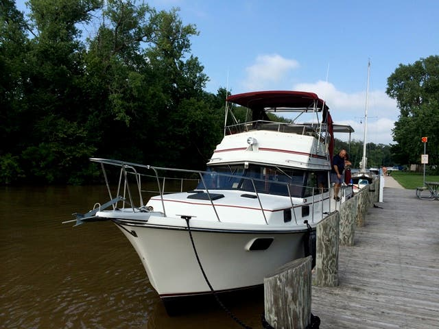 1986 Carver boat for sale, model of the boat is 3607 & Image # 5 of 31