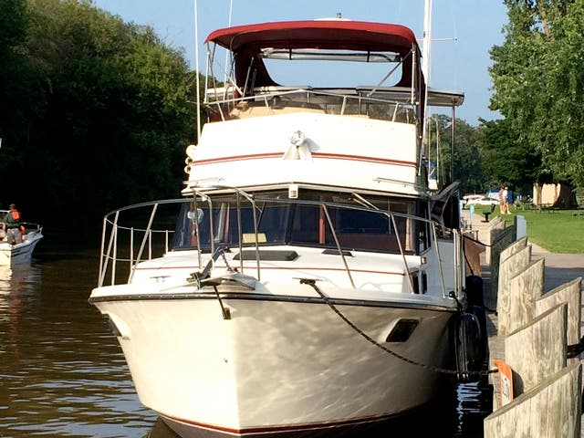 1986 Carver boat for sale, model of the boat is 3607 & Image # 6 of 31