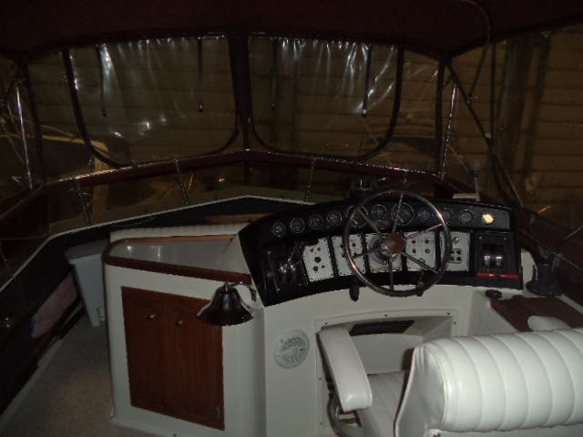 1986 Carver boat for sale, model of the boat is 3607 & Image # 7 of 31