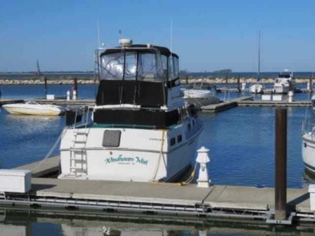1986 Carver boat for sale, model of the boat is 36 AFT CABIN & Image # 4 of 16