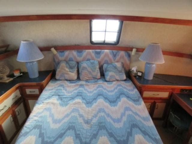 1986 Carver boat for sale, model of the boat is 36 AFT CABIN & Image # 9 of 16