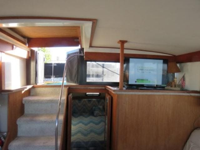 1986 Carver boat for sale, model of the boat is 36 AFT CABIN & Image # 16 of 16
