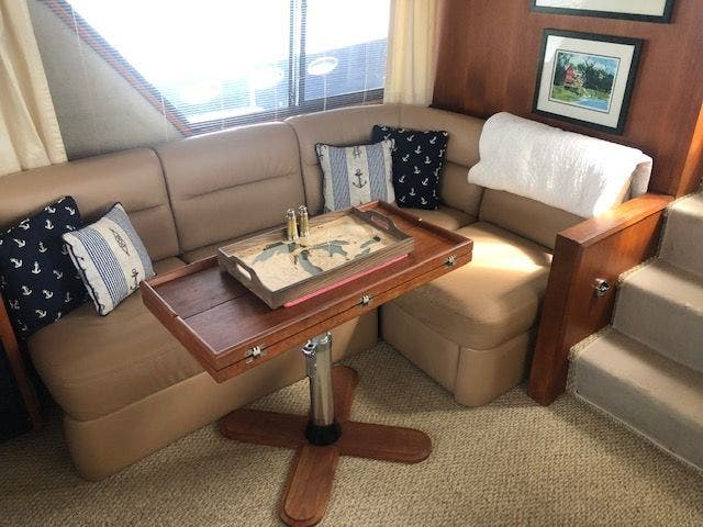 1986 Carver boat for sale, model of the boat is 4207 AFT CABIN & Image # 28 of 58