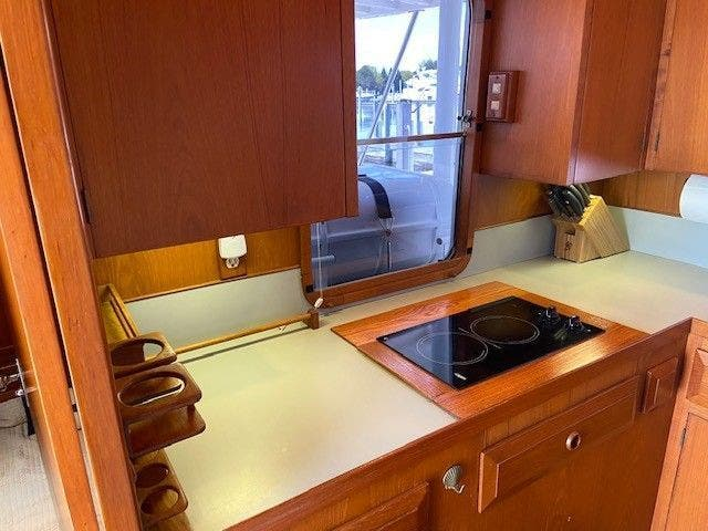 1986 Defever boat for sale, model of the boat is 48 TRAWLER & Image # 33 of 61