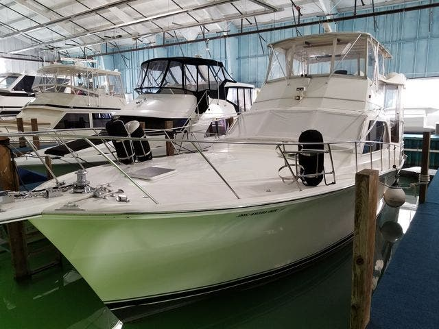 1986 Ocean Yachts boat for sale, model of the boat is 46 SUNLINER & Image # 6 of 60