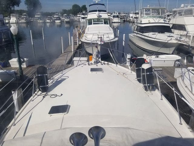1986 Ocean Yachts boat for sale, model of the boat is 46 SUNLINER & Image # 8 of 60