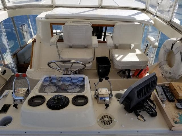 1986 Ocean Yachts boat for sale, model of the boat is 46 SUNLINER & Image # 13 of 60