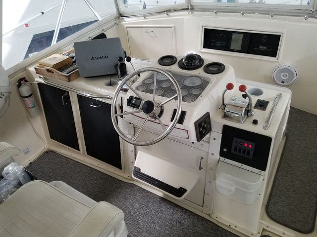 1986 Ocean Yachts boat for sale, model of the boat is 46 SUNLINER & Image # 15 of 60