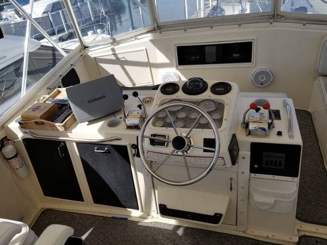 1986 Ocean Yachts boat for sale, model of the boat is 46 SUNLINER & Image # 16 of 60