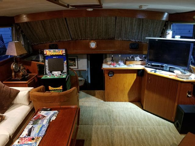 1986 Ocean Yachts boat for sale, model of the boat is 46 SUNLINER & Image # 37 of 60