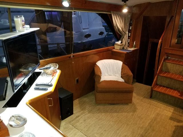 1986 Ocean Yachts boat for sale, model of the boat is 46 SUNLINER & Image # 41 of 60