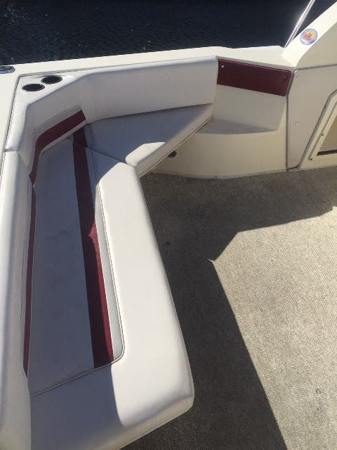 1988 Cruisers Yachts boat for sale, model of the boat is 3170 ESPRIT & Image # 3 of 16