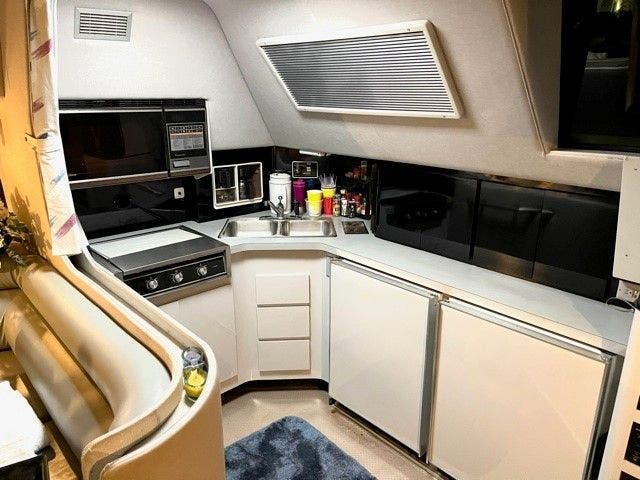 1988 Sea Ray boat for sale, model of the boat is 460EC & Image # 23 of 51