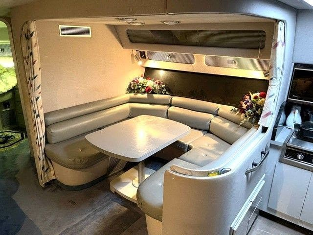 1988 Sea Ray boat for sale, model of the boat is 460EC & Image # 29 of 51