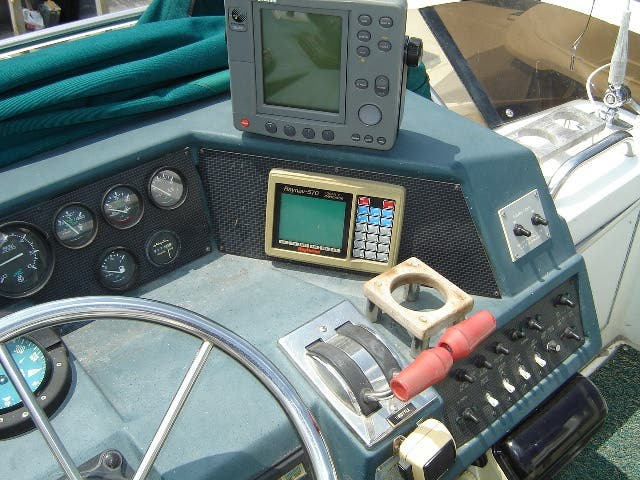 1989 Sea Ray boat for sale, model of the boat is 380AC & Image # 7 of 37