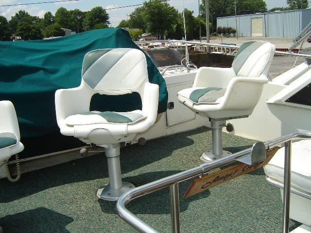 1989 Sea Ray boat for sale, model of the boat is 380AC & Image # 13 of 37
