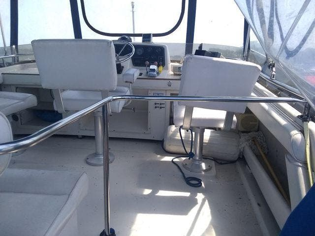 1989 Silverton boat for sale, model of the boat is 40 AFT CABIN & Image # 8 of 39