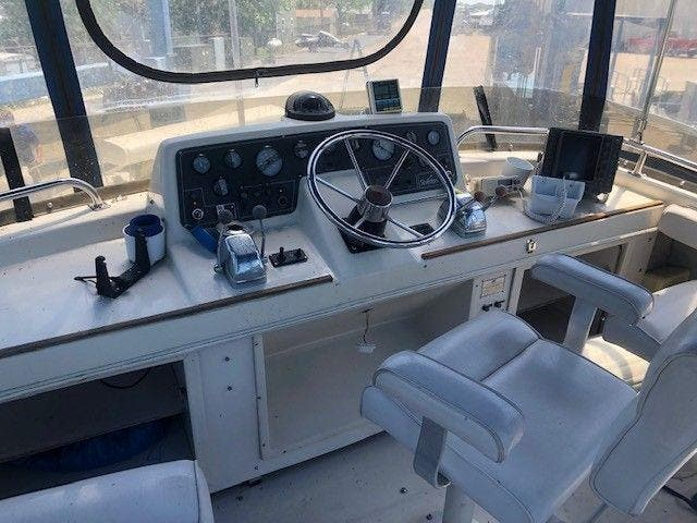 1989 Silverton boat for sale, model of the boat is 40 AFT CABIN & Image # 9 of 39