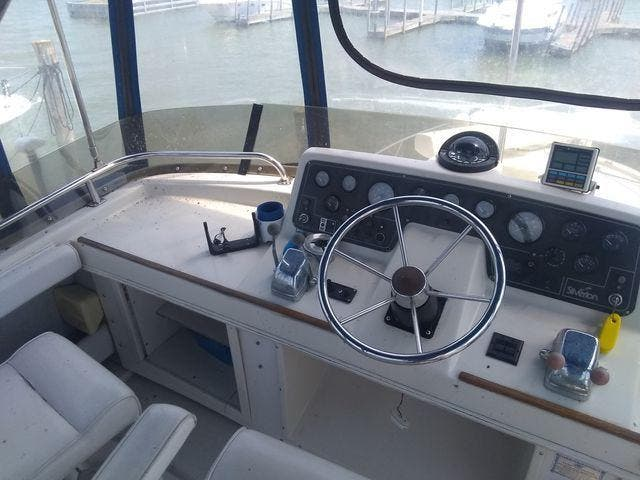 1989 Silverton boat for sale, model of the boat is 40 AFT CABIN & Image # 10 of 39