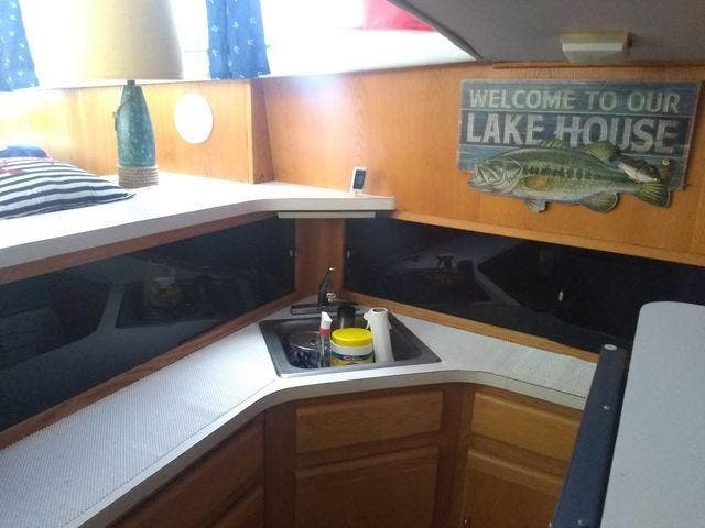 1989 Silverton boat for sale, model of the boat is 40 AFT CABIN & Image # 17 of 39