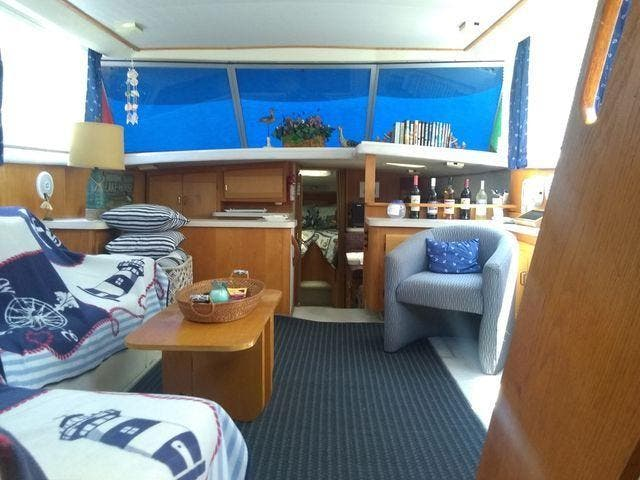 1989 Silverton boat for sale, model of the boat is 40 AFT CABIN & Image # 27 of 39