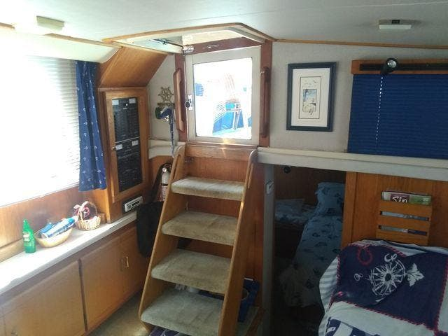 1989 Silverton boat for sale, model of the boat is 40 AFT CABIN & Image # 28 of 39