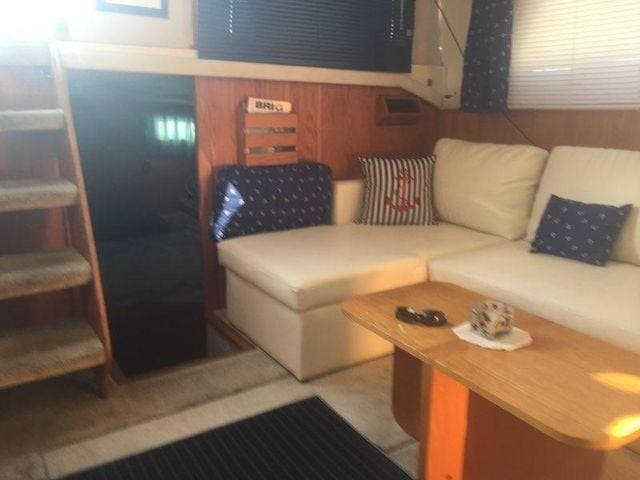 1989 Silverton boat for sale, model of the boat is 40 AFT CABIN & Image # 31 of 39