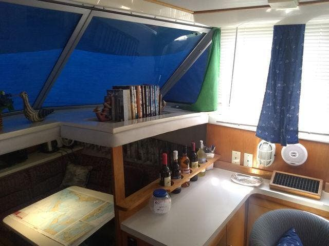 1989 Silverton boat for sale, model of the boat is 40 AFT CABIN & Image # 36 of 39