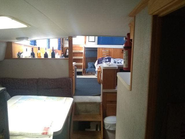 1989 Silverton boat for sale, model of the boat is 40 AFT CABIN & Image # 39 of 39