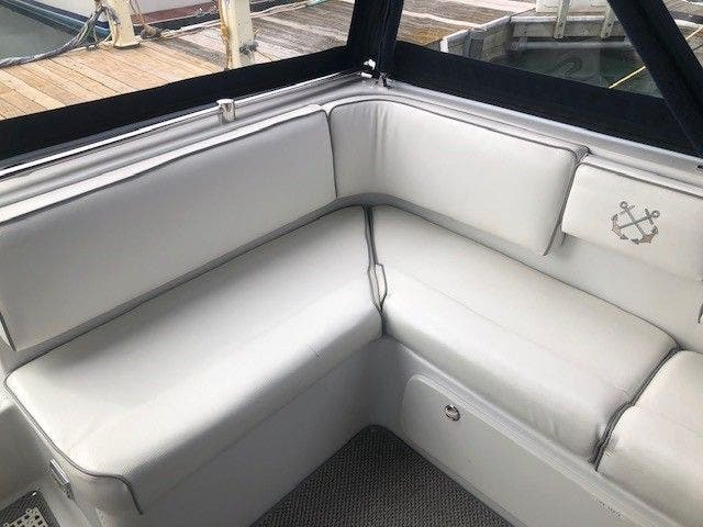 1990 Chris Craft boat for sale, model of the boat is 400 EXPRESS & Image # 10 of 41