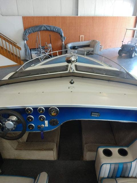 1990 Sleekcraft boat for sale, model of the boat is 20 & Image # 3 of 6