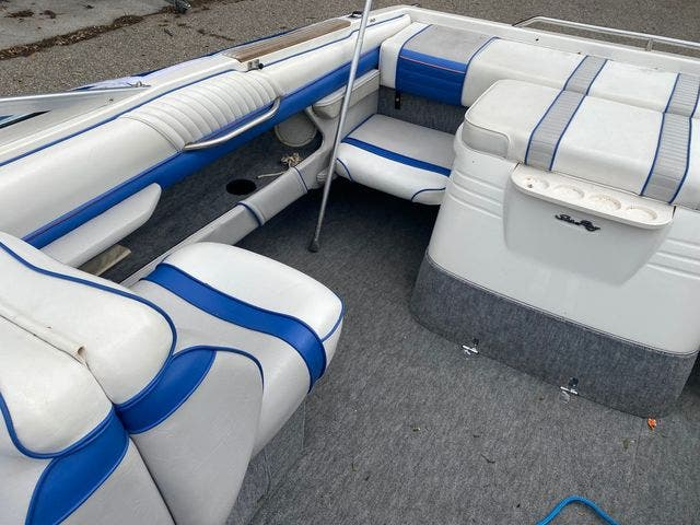 1992 Sea Ray boat for sale, model of the boat is 240BR & Image # 4 of 14