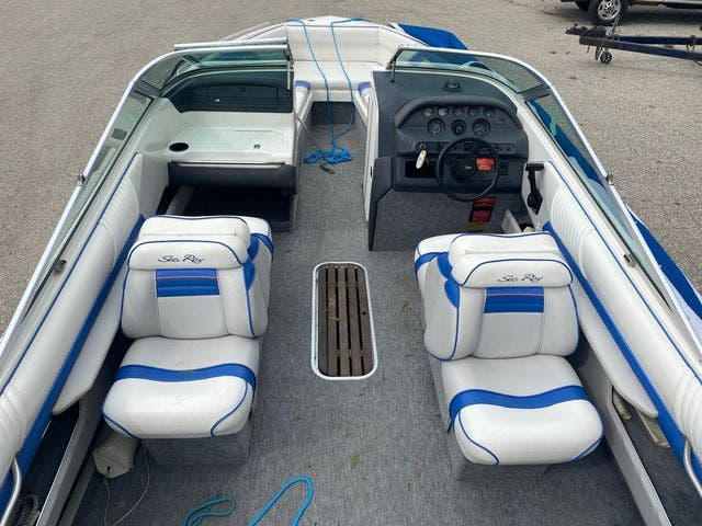 1992 Sea Ray boat for sale, model of the boat is 240BR & Image # 10 of 14
