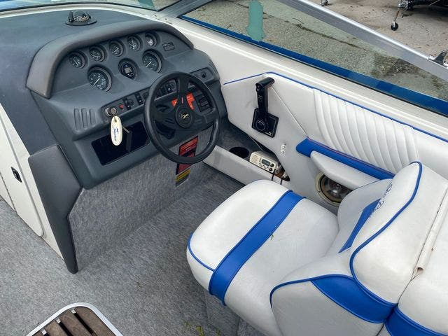 1992 Sea Ray boat for sale, model of the boat is 240BR & Image # 12 of 14