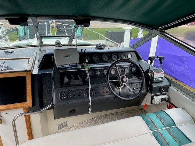 1992 Sea Ray boat for sale, model of the boat is 290SUNDANCER & Image # 8 of 23