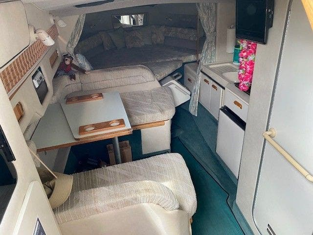 1992 Sea Ray boat for sale, model of the boat is 290SUNDANCER & Image # 11 of 23